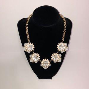 NWOT Floral Statement Necklace